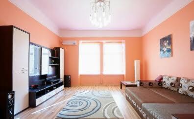 1-комнатная квартира посуточно в Львове. Галицкий район, пл. Данила Галицкого, 3. Фото 1
