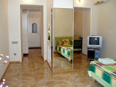 1-комнатная квартира посуточно в Одессе. Приморский район, ул. Бунина, 39. Фото 1