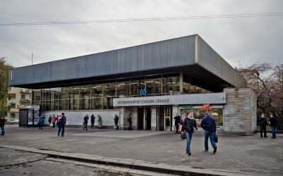 Станция_метро_Лесная.jpg