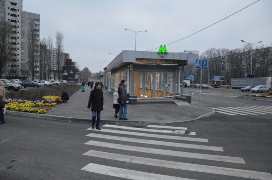 метро_Васильковская.jpg